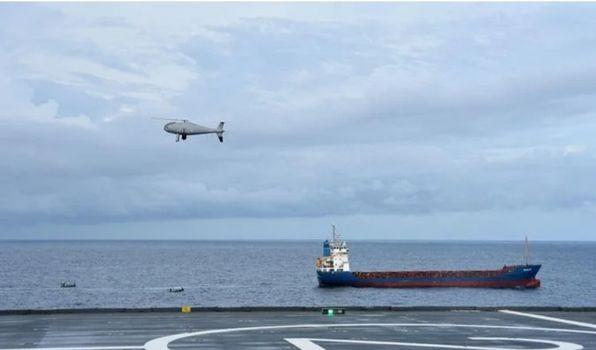 Une équipe du porte-hélicoptères amphibie (PHA) Dixmude est intervenue à bord du cargo Najlan