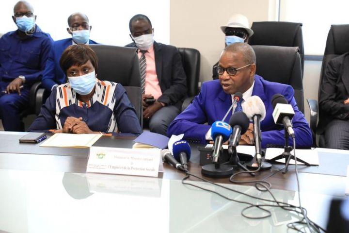 Mme Clarisse Kayo Mahi (à gauche) et Adama Kamara ont pris fonction