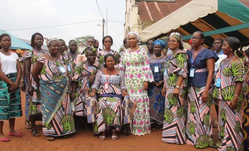 [Côte d'Ivoire Dabou] La présidente de la ''Fondation solidarité pour tous'' apporte son soutien à l'autonomisation des femmes
