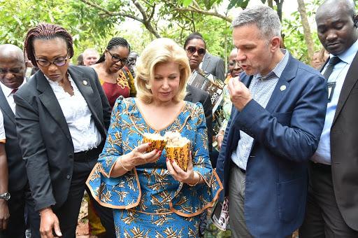 [Avant le rapport d'enquête 2018/19 de NORC] Mme Dominique Ouattara révèle les raisons d'une conclusion d'enquête trompeuse