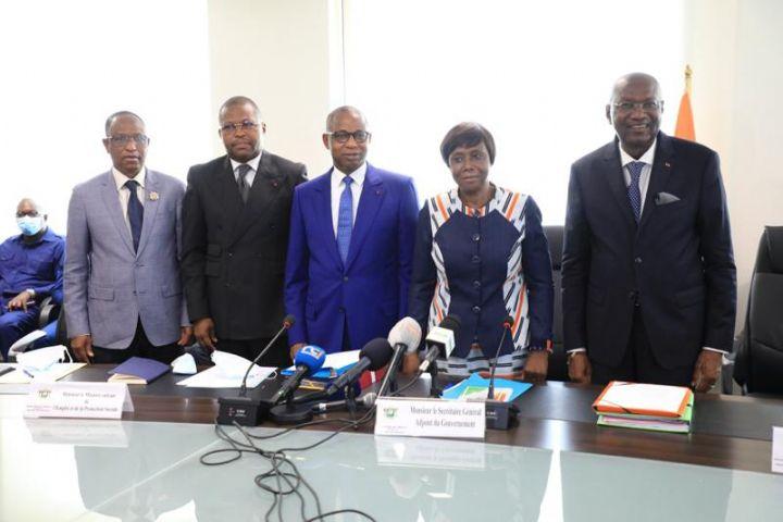 Le ministre Adama Kamara et Mme Clarisse Kayo Mahi ont pris fonction, aujourd'hui