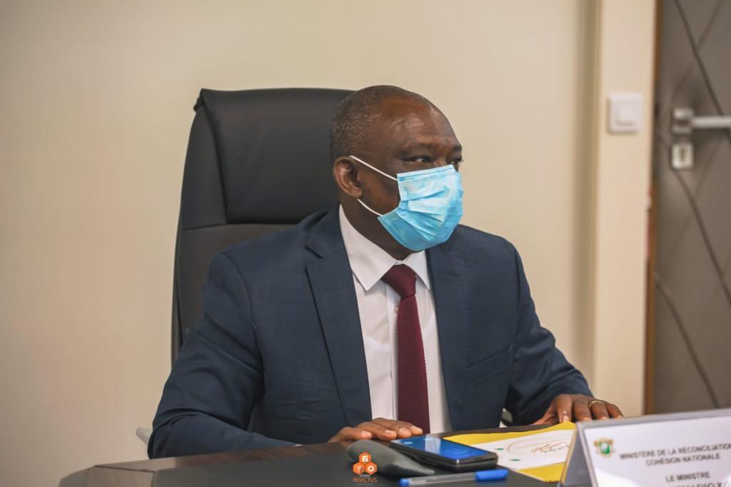 « Si le pays est en feu, n'existe pas, il n'y a pas de partis politiques », prévient le ministre Bertin Kouadio Konan