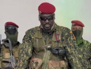 [Coup d'État en Guinée] Le colonel Mamady Doumbouya marque son territoire