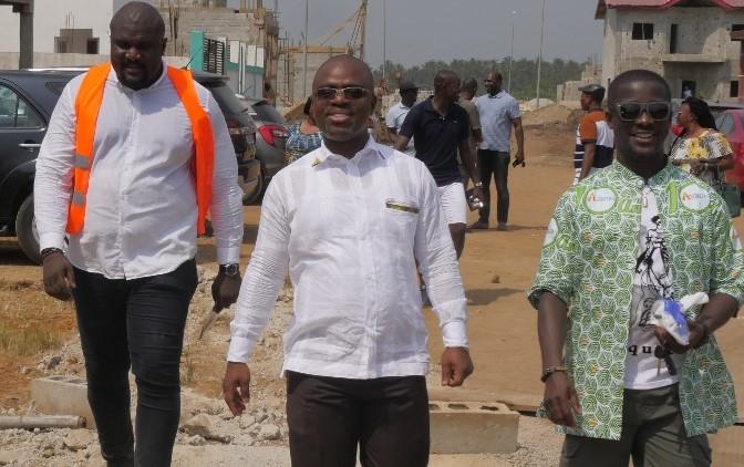 Côte d'Ivoire Opération immobilière) L'AMADAS et CNE-CI TP N'SIKAN visite la cité N'SIKAN de Grand-Bassam