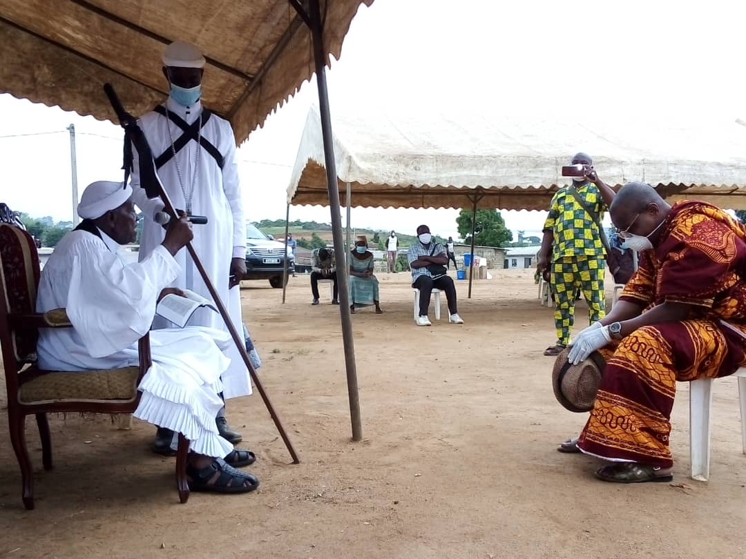 [Songon Dagbé] Le nouveau chef, Nangui Gnaba Thomas Magès consacré et intronisé