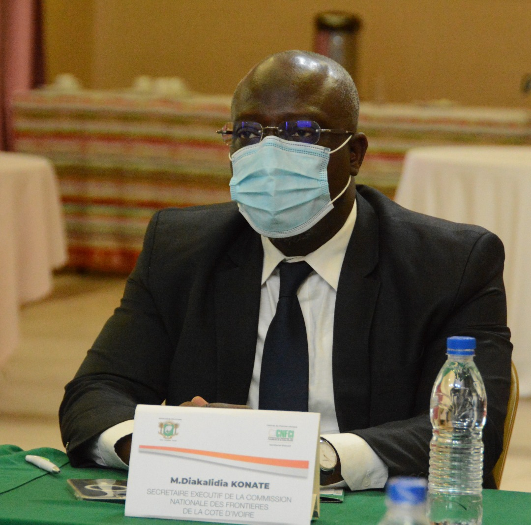 M. Diakalidia Konaté a expliqué les enjeux liés aux conflits frontaliers et à l'extrémisme violent